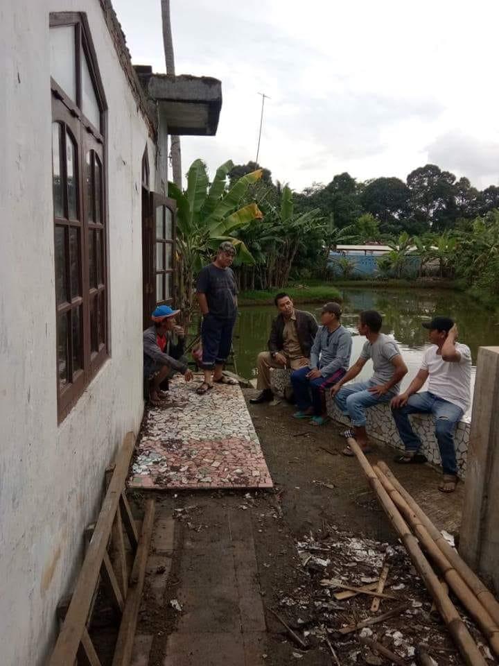 Untuk Meningkatkan Ibadah Kepala Desa Melaksanakan Renovasi Mushola Di Desa Cibatok 1