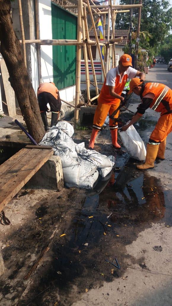 PPSU Bersikan Saluran Air Yang Tersumbat Di Dua Rw Kelurahan Cilincing