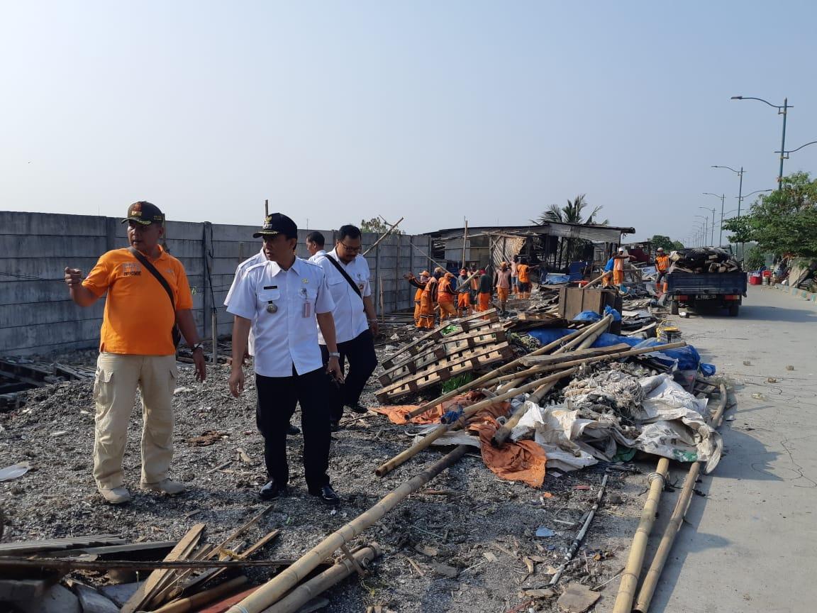 Puluhan Bangunan Liar Di Dekat KBT Marunda Dibongkar
