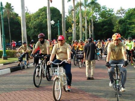 Sekda Bersepeda Tinjau Rumah Si Pitung di Marunda
