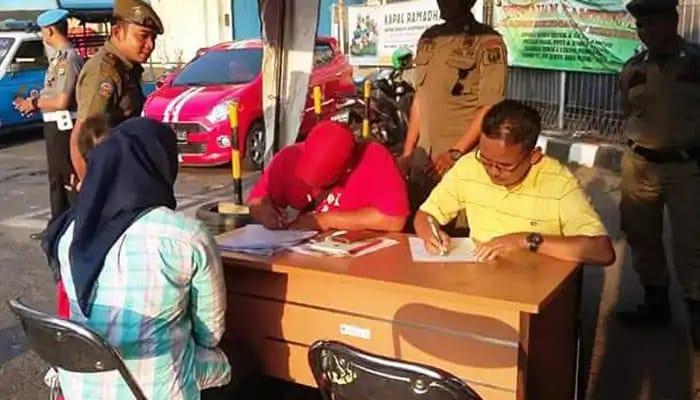 10 Orang Terkena OTT BSS di Kelapa Gading Bayar Di Tempat