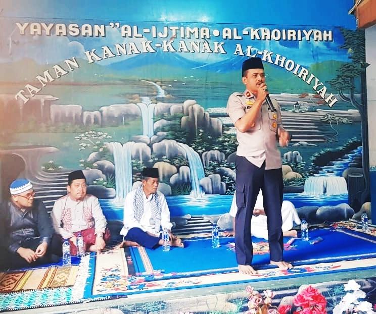 Kapolsek Cengkareng Binkamtibmas Berikan Santunan Kepada 200 Anak Yatim Piatu