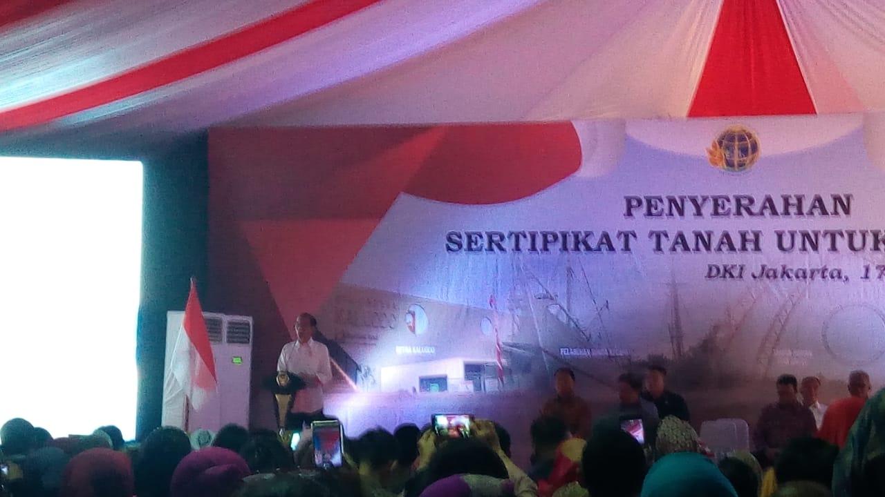 Anies Hadiri Penyerahan 10 Ribu Sertifikat Lahan Warga Di Jakarta Utara