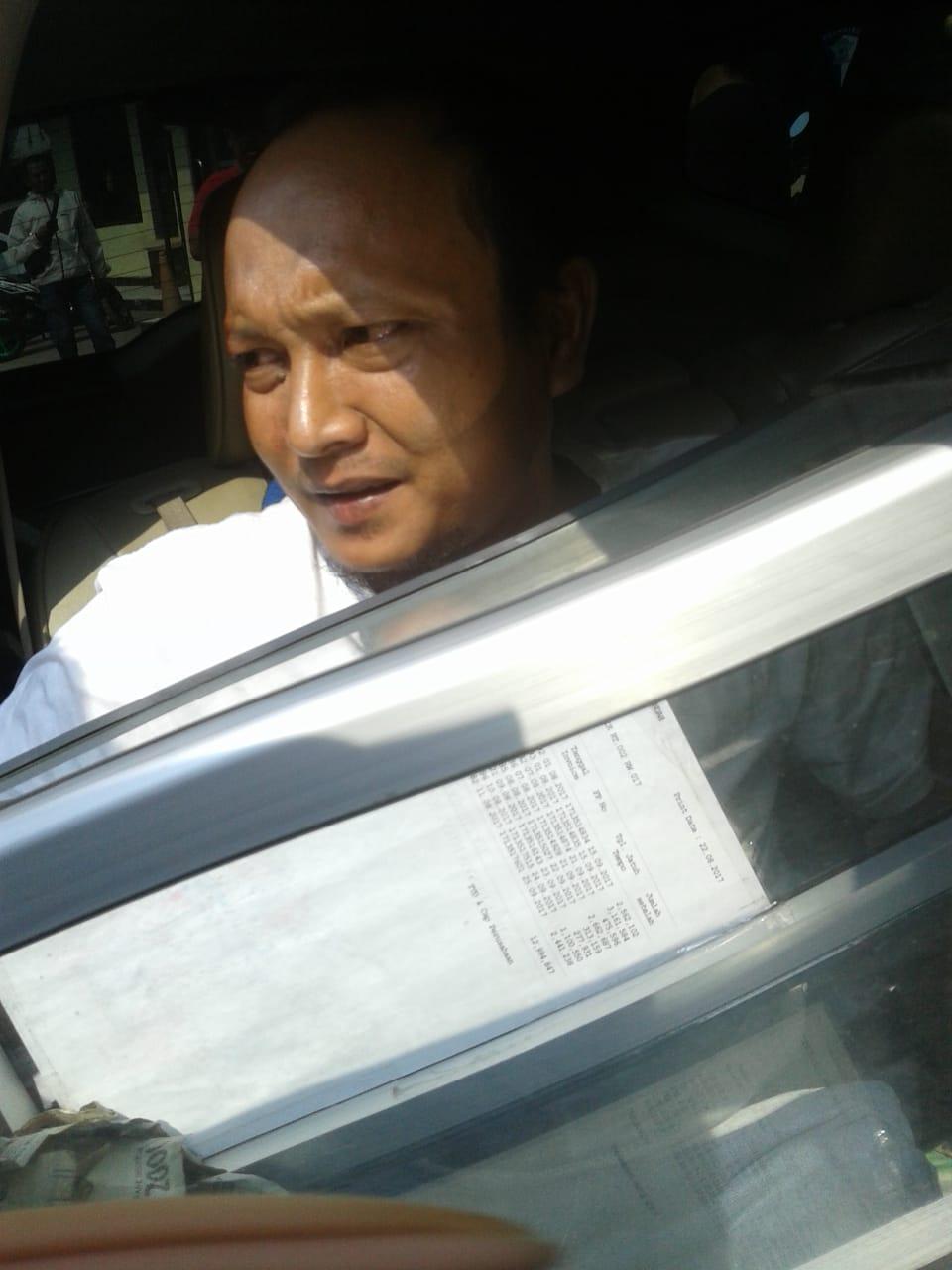 2 Pencuri Kotak Amal Gunakan Mobil, Pelaku Di Giring Warga Ke Polsek Gunung Putri