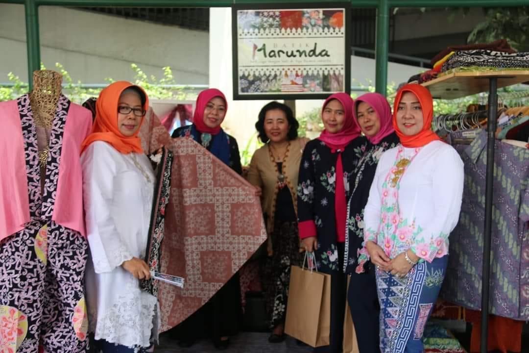 Gelar Produk Dekranasda Jakut Wadah Pengrajin Kenalkan Hasil Karya