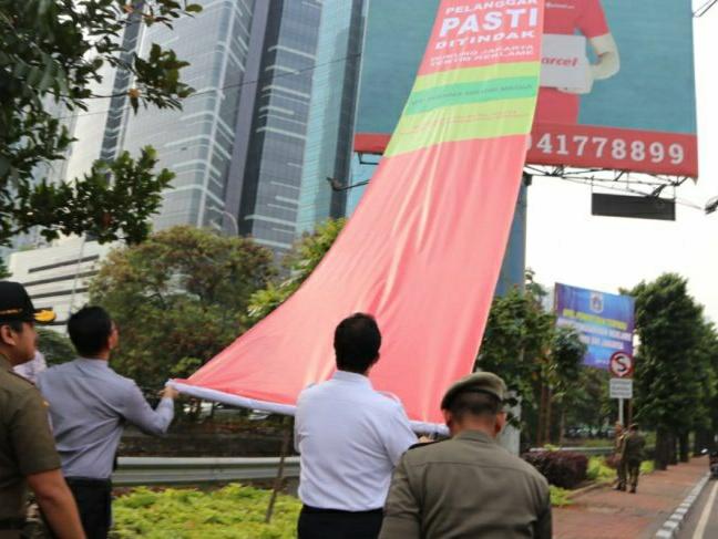 Jakarta laksanakan operasi penertiban reklame