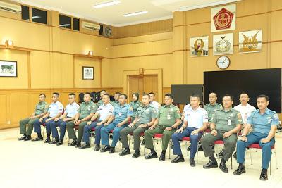 Wakapuspen TNI Resmikan Pelatihan Kamera Video Jurnalistik TA 2018