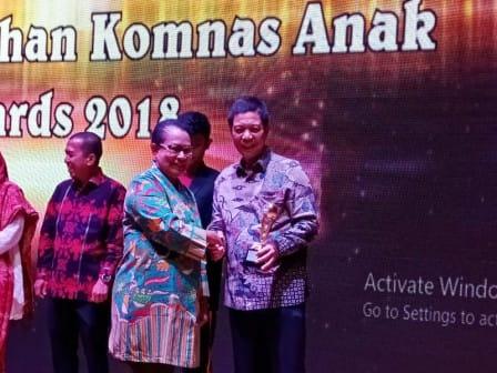 WaliKota Jakbar Raih Penghargaan Komnas Anak Awards 2018