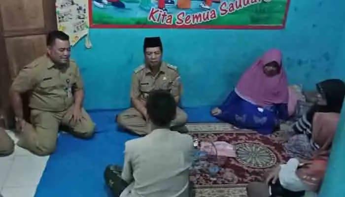 Walikota Jakbar Sambangi Rumah Santri Yang Tewas Kecelakaan Di Green Lake Cipondoh
