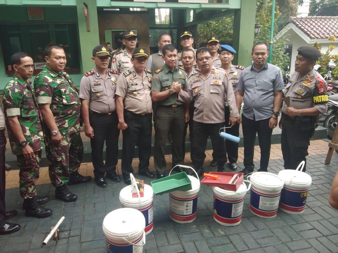Kepedulian Polsek Kebon Jeruk Terhadap Koramil 05 Kebon Jeruk, Wujud Sinergitras TNI – Polri