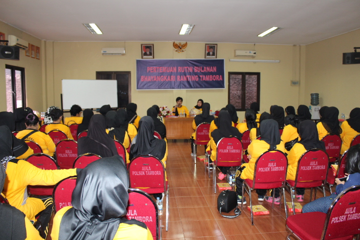 "Silaturahmi Antar Anggota Bhayangkari"" Ranting Tambora Jakarta Barat Berikan motivasi Anggota"