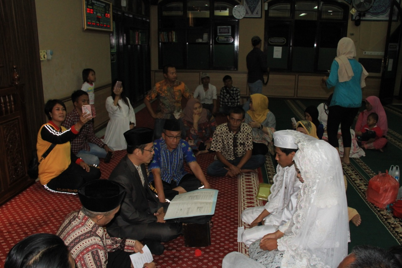 Sedih Dan Terharu Maskur Bisa Melaksanakan Pernikahan Anaknya Di Mapolres Jakarta Barat