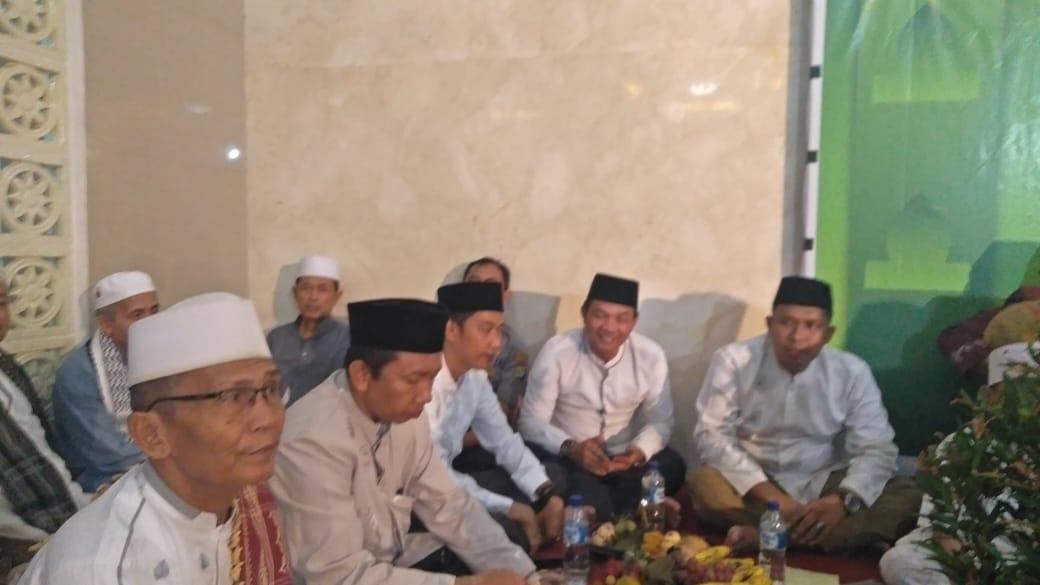 Peringati Maulid Nabi Camat Serta Lurah Kembangan Selatan Hadir Dalam Undangan Mesjid Ami Al Iklas