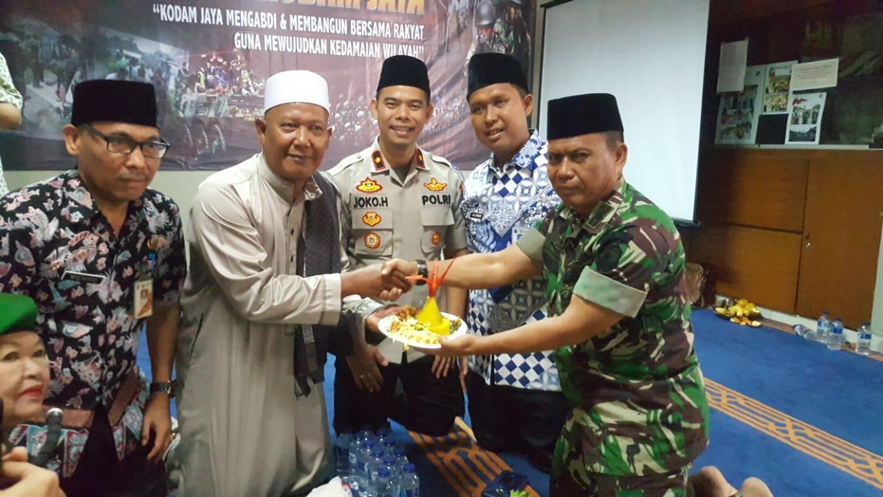 """Tiga Pilar Kecamatan Kembangan Dan Tokoh Agama Gelar Syukuran"""" Bersama Kodam Jaya Ke 69 Joglo JakBar"""