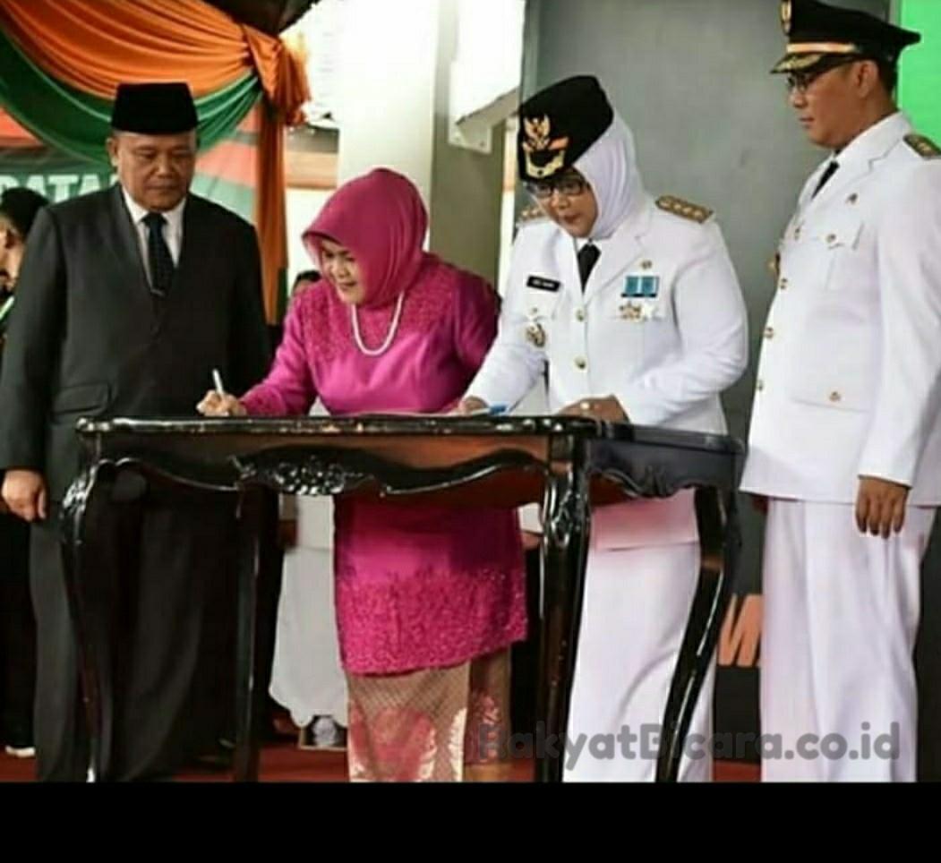 Sertijab Bupati Bogor Berlangsung Khidmat Dalam Penyerahan Memori Jabatan