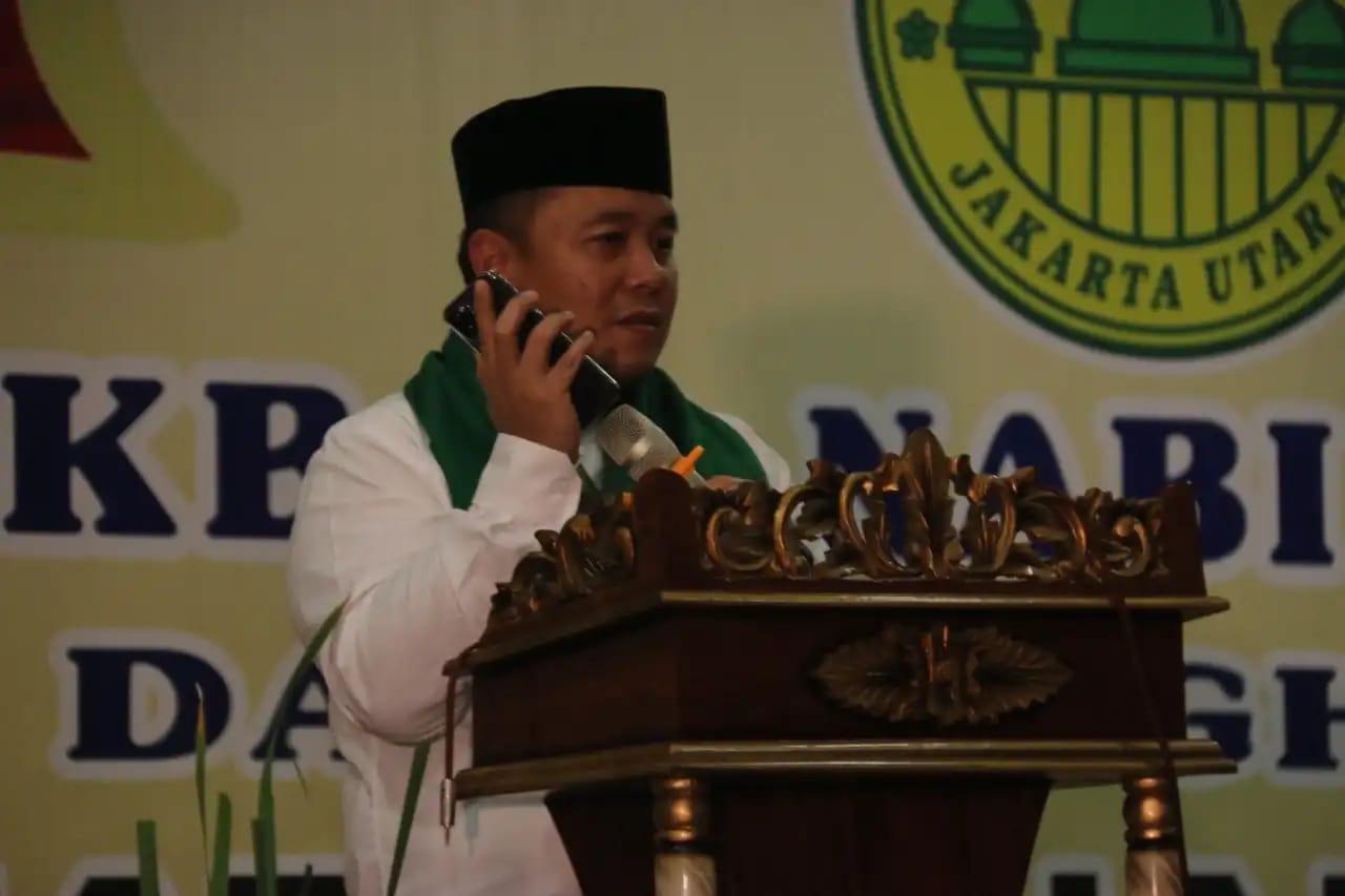 Lewat Saluran Telepon, Anies Minta Jamaah Masjid Al Mukarromah Doakan Pemimpin