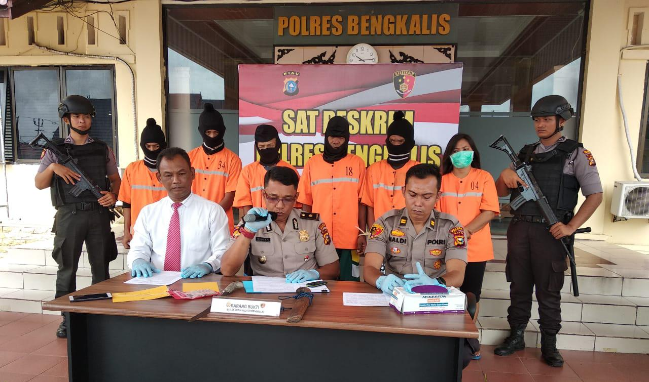 Polres Bengkalis Gelar Press Release Terkait Pengungkapan 6 Pelaku Karhutla