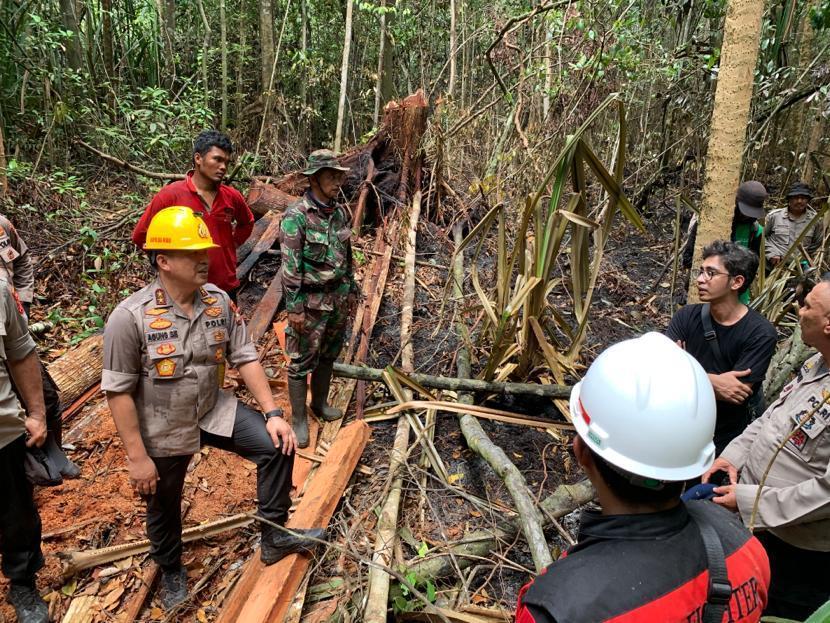 Kapolda Riau Tinjau Lokasi Titik Kebakaran Pulau Rupat : Bayak Kayu Ditebang, Dibakar, 'Lalu Jadi Kebun Sawit'