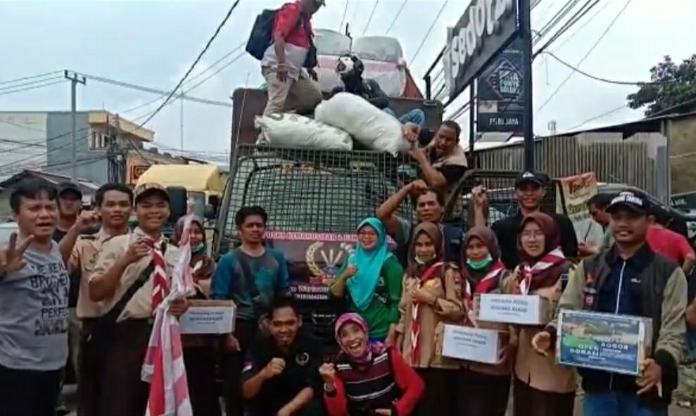 PWRI Bogor Bersinergi Dengan Yayasan Sakura Indonesia Salurkan Bantuan Korban Di Sukajaya