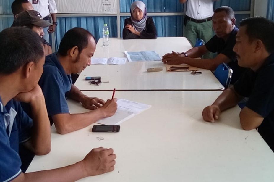 Upah Di Turunkan Sepihak Oleh Perusahaan, Buruh Mogok Kerja