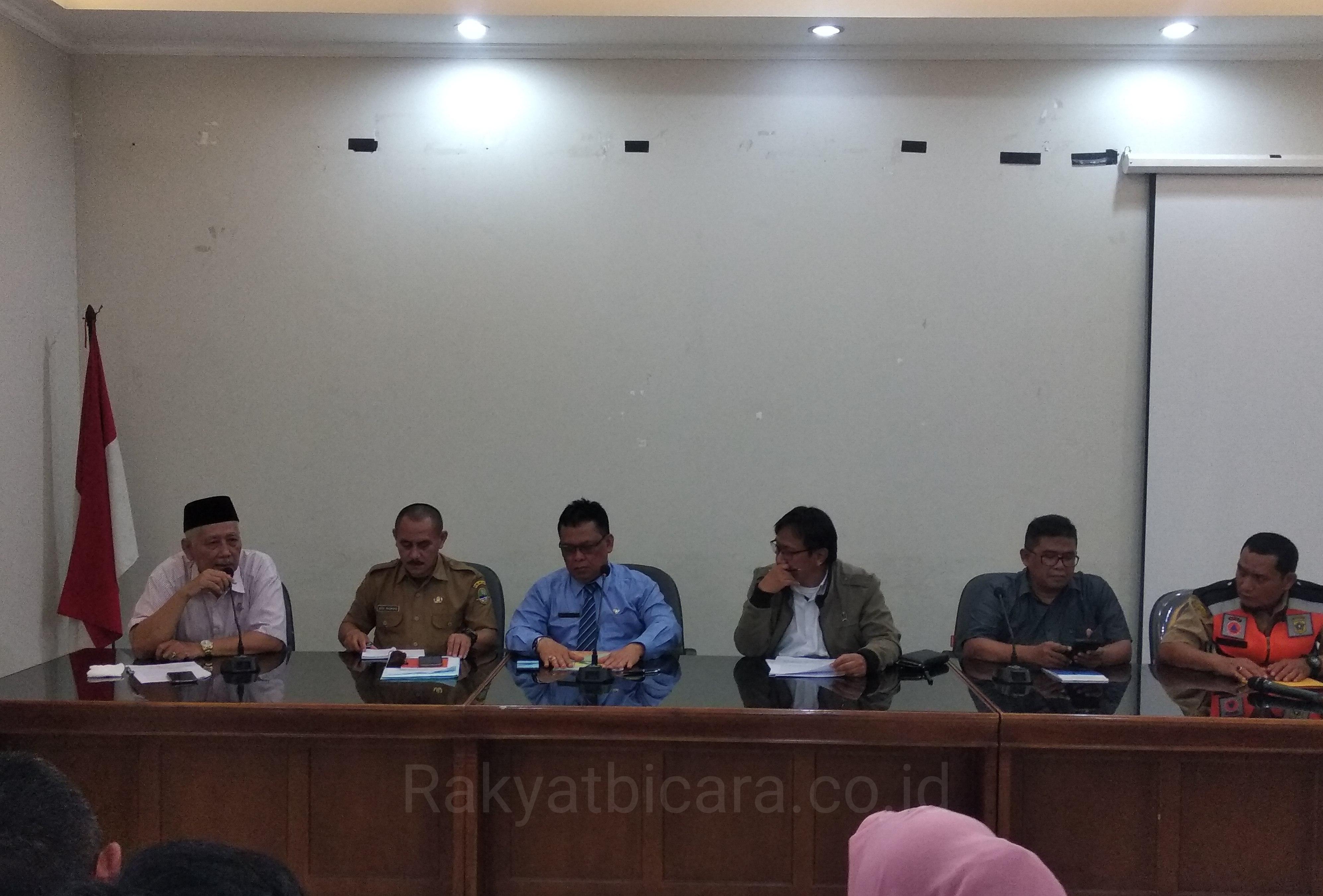Kunjungan Kerja Komisi 1 DPRD Provinsi Jawa Barat Serta Menyalurkan Bantuan Di Kecamatan Cigudeg Bogor