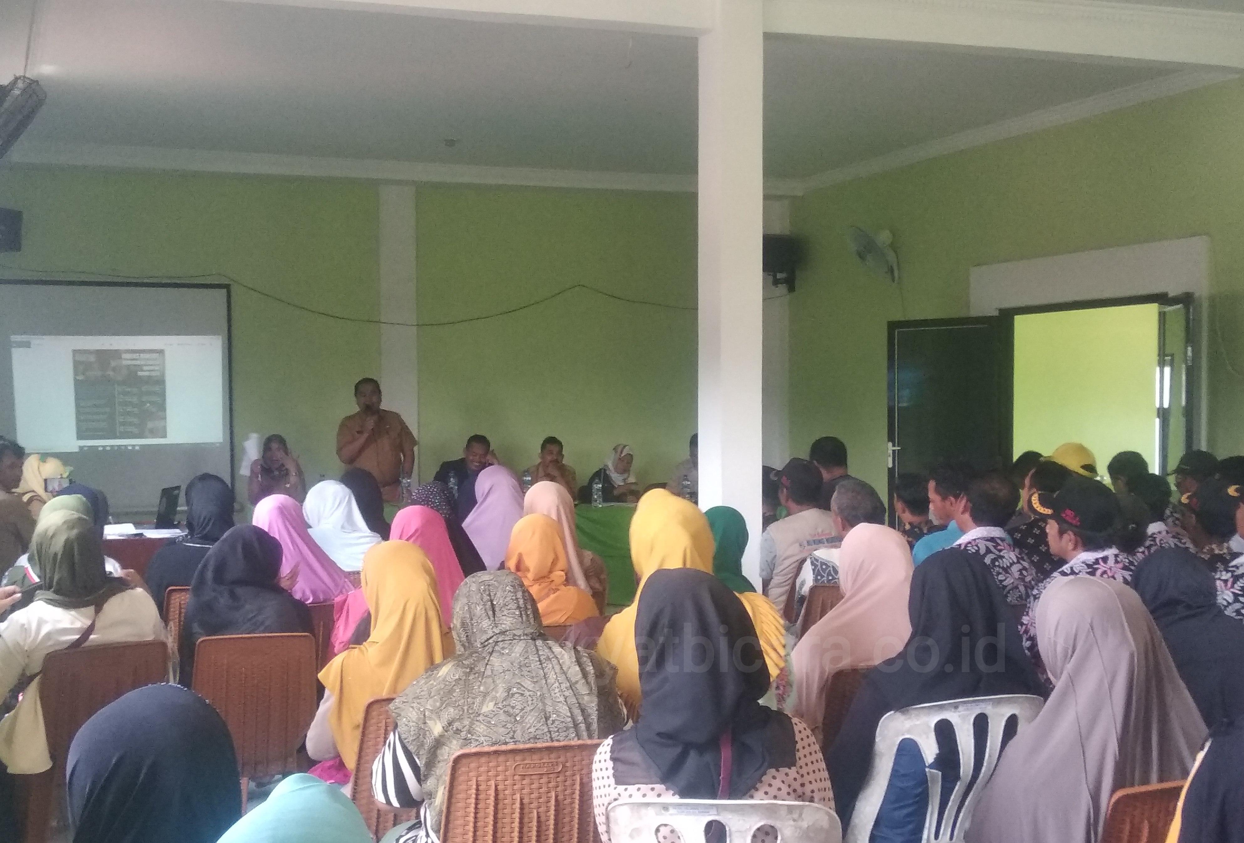 Kades Tegalwaru : Ketua Kelompok Harus Transfaran Dalam informasi Bantuan PKH Dan BPNT