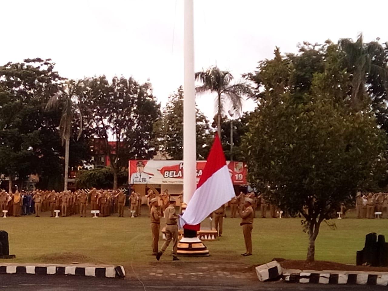 Upacara Bendera Mingguan Di Lingkungan Pemkab Lampung Utara