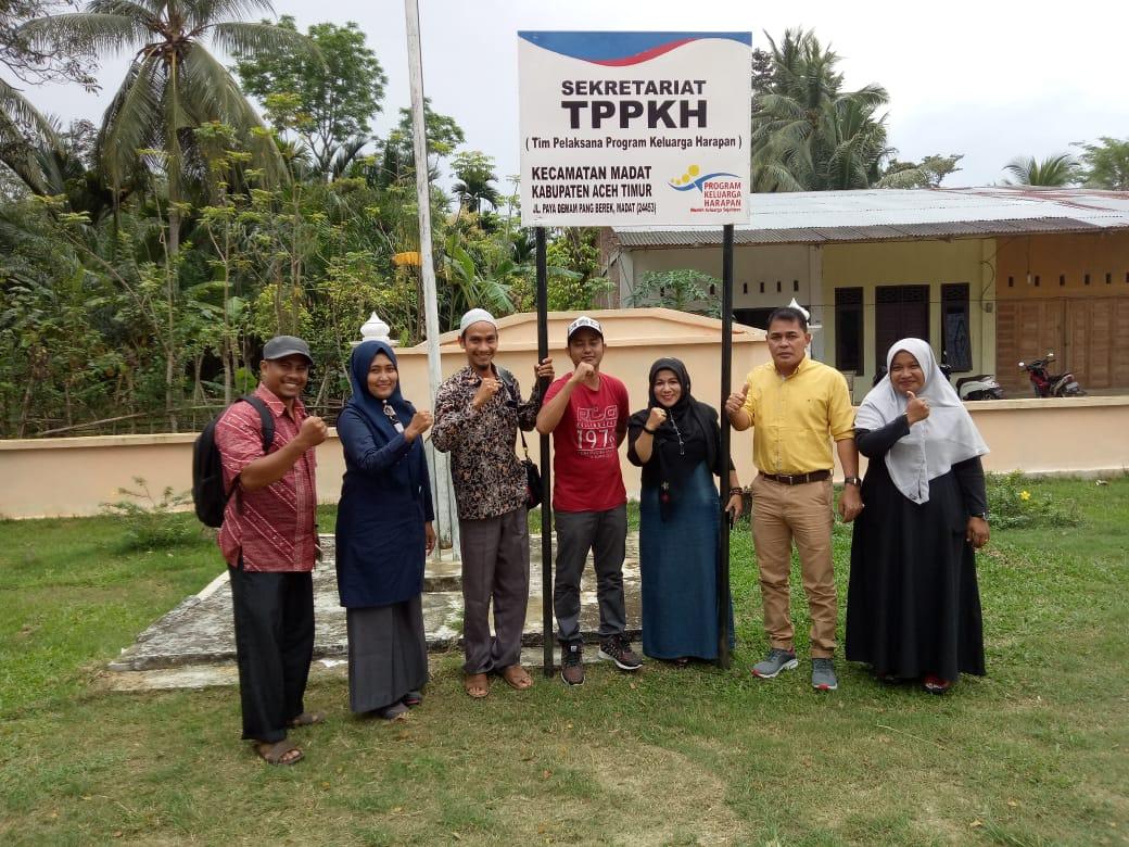 Pamplet TPPKH Di serahkan Oleh Dinsos Aceh Timur