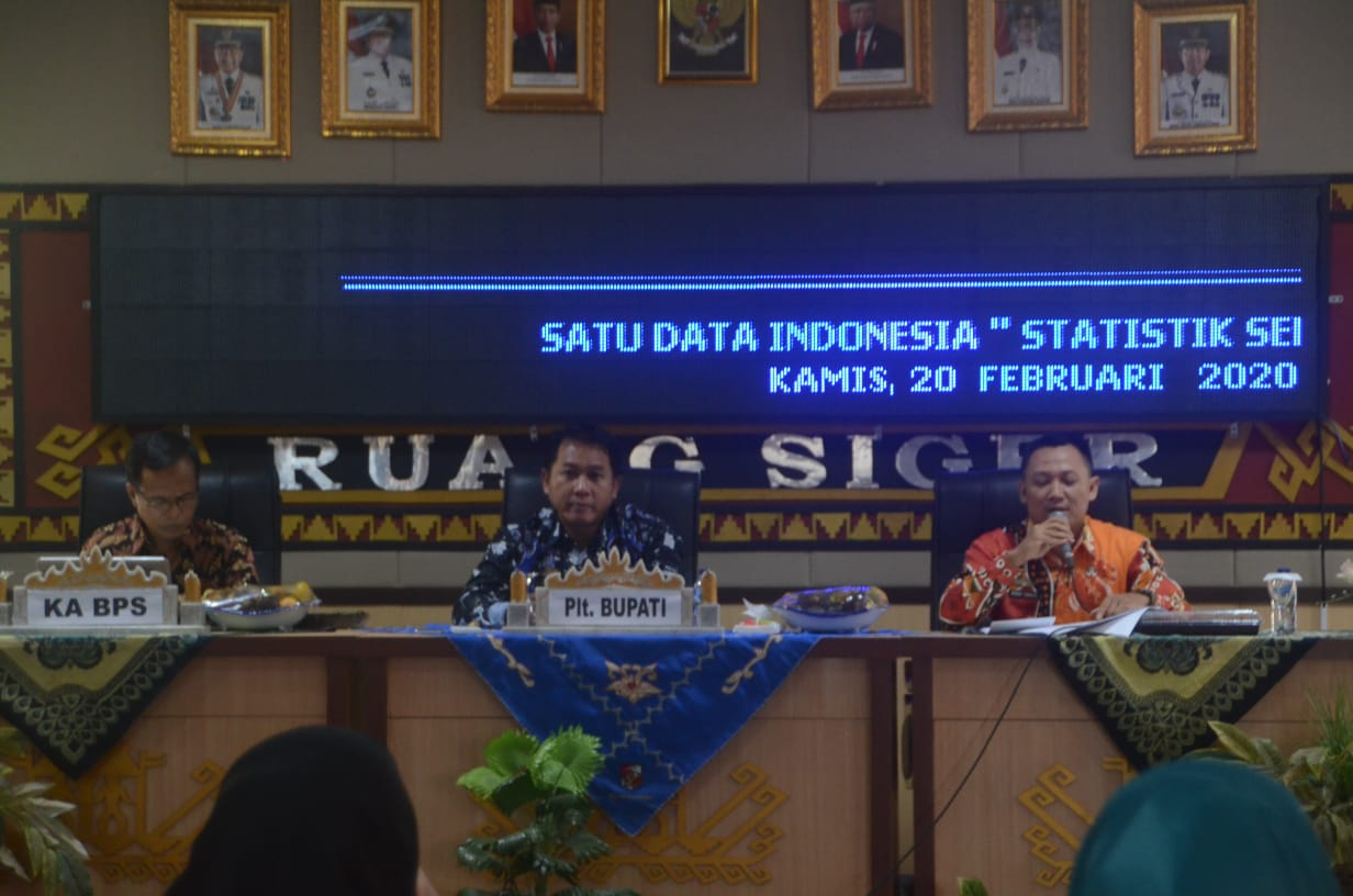 Dinas Kominfo Sani Lumi Membuka Pelaksanaan Acara Focus Group Discussion Satu Data Indonesia