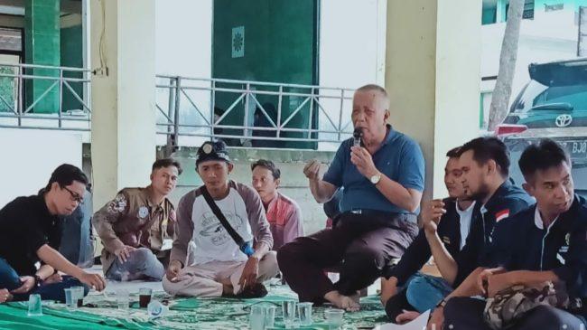 H. Ruhyat Memberikan Motivasi Pada Rapat Karang Taruna Wilayah IV