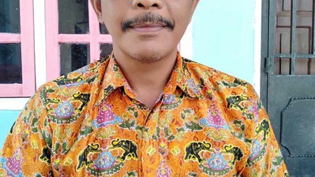 Kepala Desa Bersama Warga Masyarakat Desa Bumi Restu Tangkal Covid 19 lakukan Penyemprotan Antiseptik
