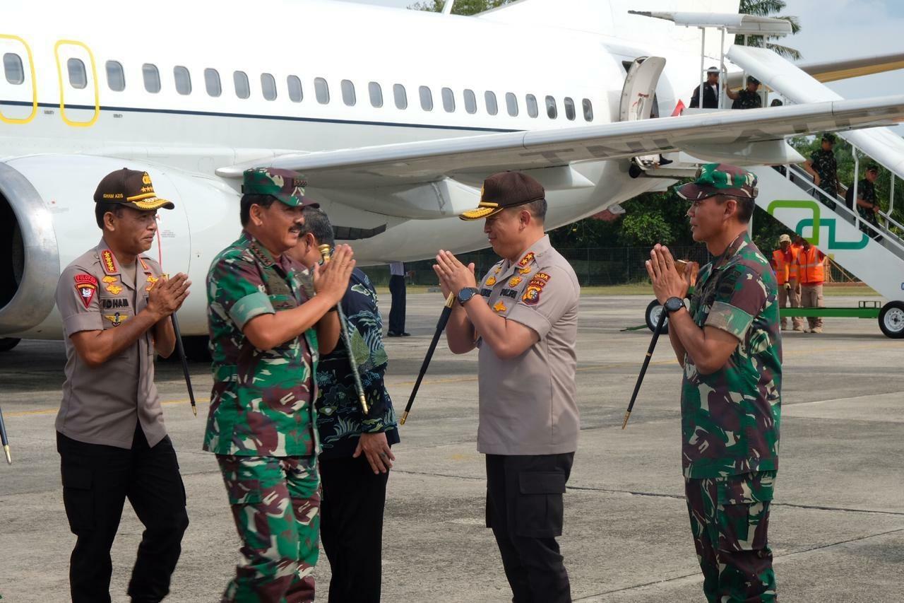 Panglima TNI BersamaKapolri Tiba Di Pekanbaru, GelarLaunching aplikasi Dashboard Lancang Kuning Nasional
