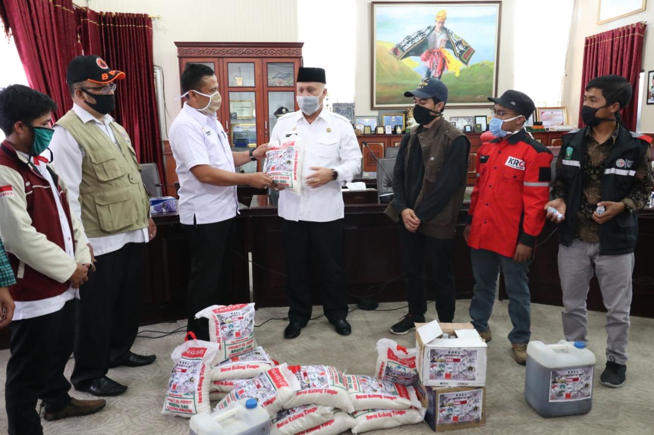 AKU' Serahkan Bantuan Kepada Gugus Tugas Kabupaten Aceh Tengah