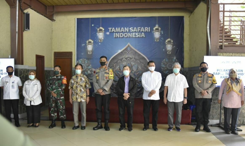 Kapolda Jabar bersama Kapolres Bogor Lakukan Pengecekan Pelaksanaan Rapid Test di Taman Safari Indonesia