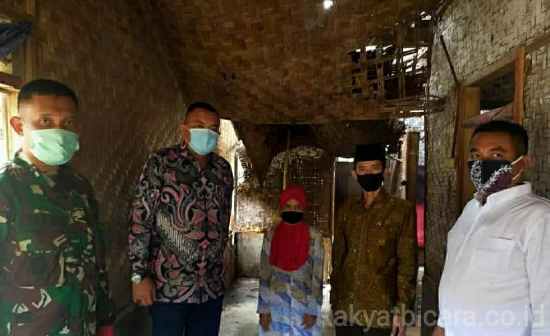 Ketua Dan Wakil DPRD Kab. Bogor Mengunjungi Rumah Lansia Di Tamansari