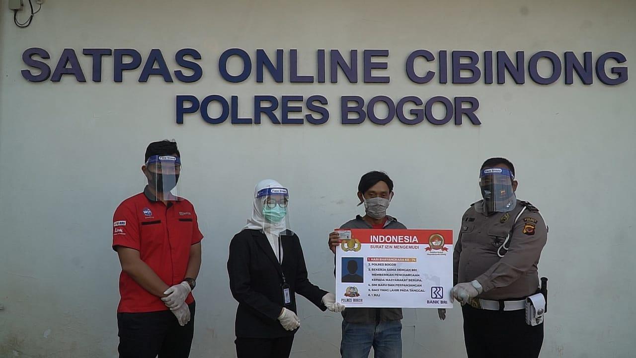 Sat Lantas Polres Bogor Berikan 50 SIM Bagi Warga Yang Lahir Tanggal 1 Juni