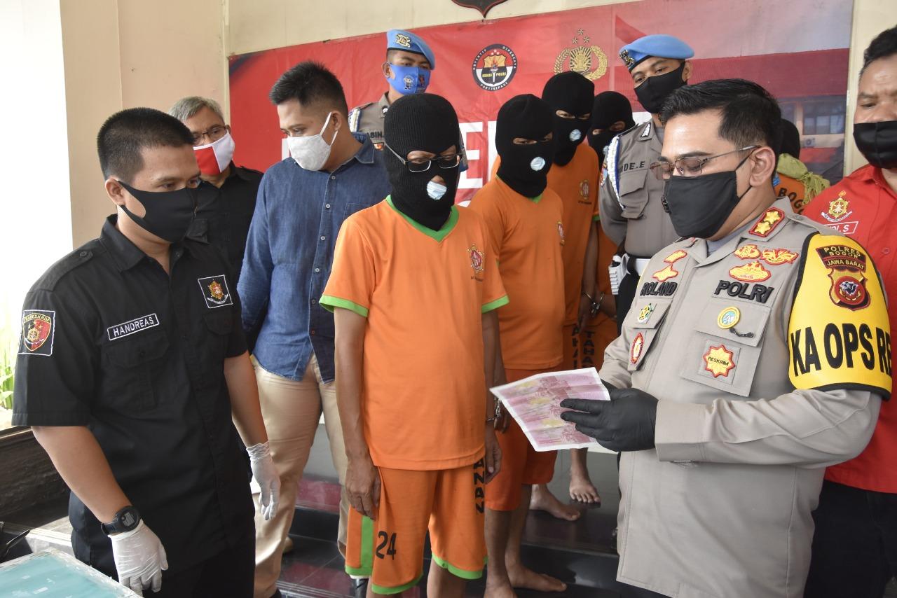 Polres Bogor Bongkar Kasus Jaringan Uang Palsu, 7 Orang Pelaku Berhasil Ditangkap