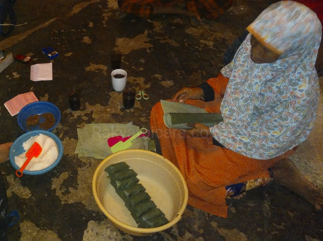 Nenek Berjuang Menghidupi 4 Orang Anak Yatim