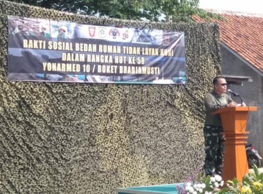 Jelang HUT Ke-58 Batalyon Armed 10, Lakukan Bakti Sosial Desa Binaan