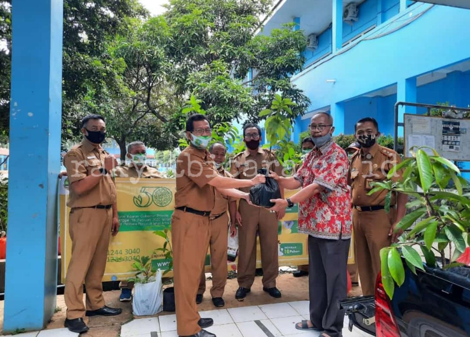 Gerakan Tanam dan Pelihara Pohon Pemprov Jabar, SMK N 2 Kota Bogor Berikan Ratusan Bibit Pohon