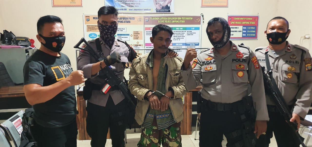 Patroli Sat Sabhara Polres Lampung Amankan Pria Membawa Senpi dan Sajam
