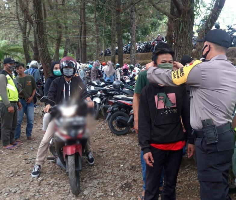 Polsek Caringin Laksanakan Patroli Pendisiplinan 3M Sejumlah Resort dan Resto