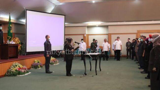 Bupati Bogor Lantik 57 Pejabat Eselon III, Ade Yasin: Kita Memerlukan Sumberdaya Aparatur Yang Kompeten