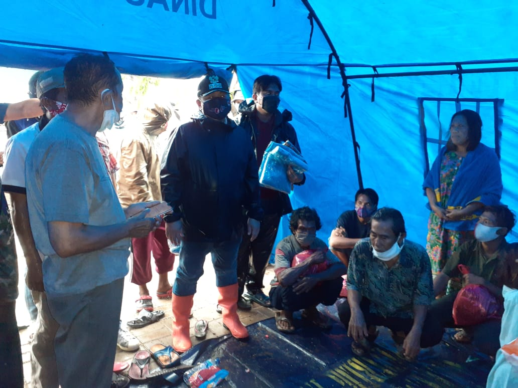 Walikota Jakut Tinjau Lokasi Kebakaran Kalibaru Cilincing