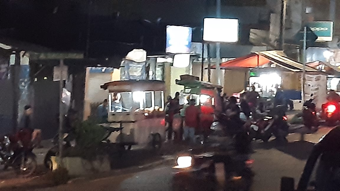 Marak PKL di Jalan Sungai Landak Cilincing Diduga Aman Dari Aparat