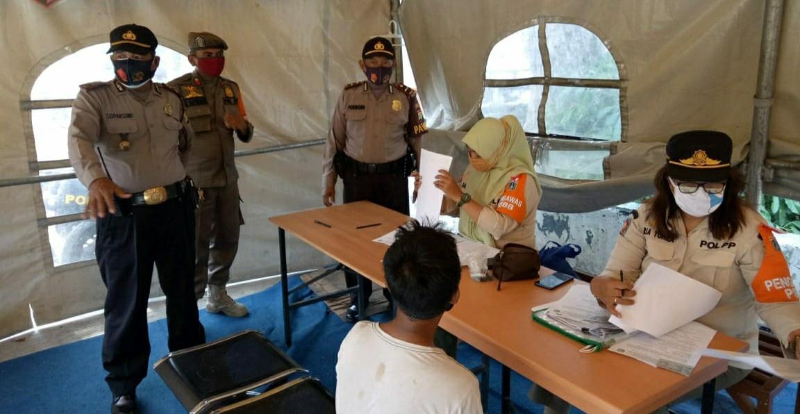 18 Pelanggar 1 Denda Prokes Terjaring Ops Yustisi Di RPTRA Kalijodo