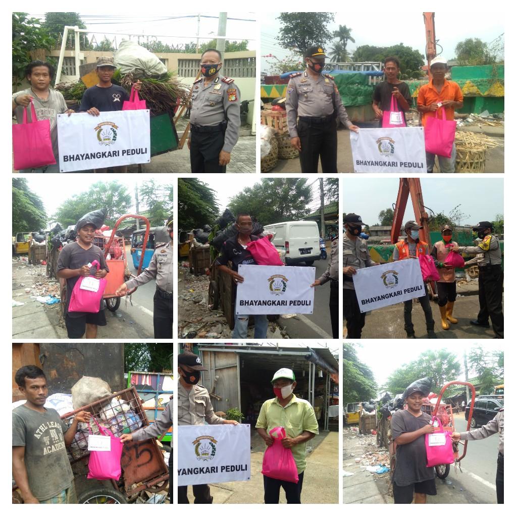Salurkan Bantuan Sembako, Bhayangkari Cabang Metro Jakarta Barat Peduli Kaum Dhuafa