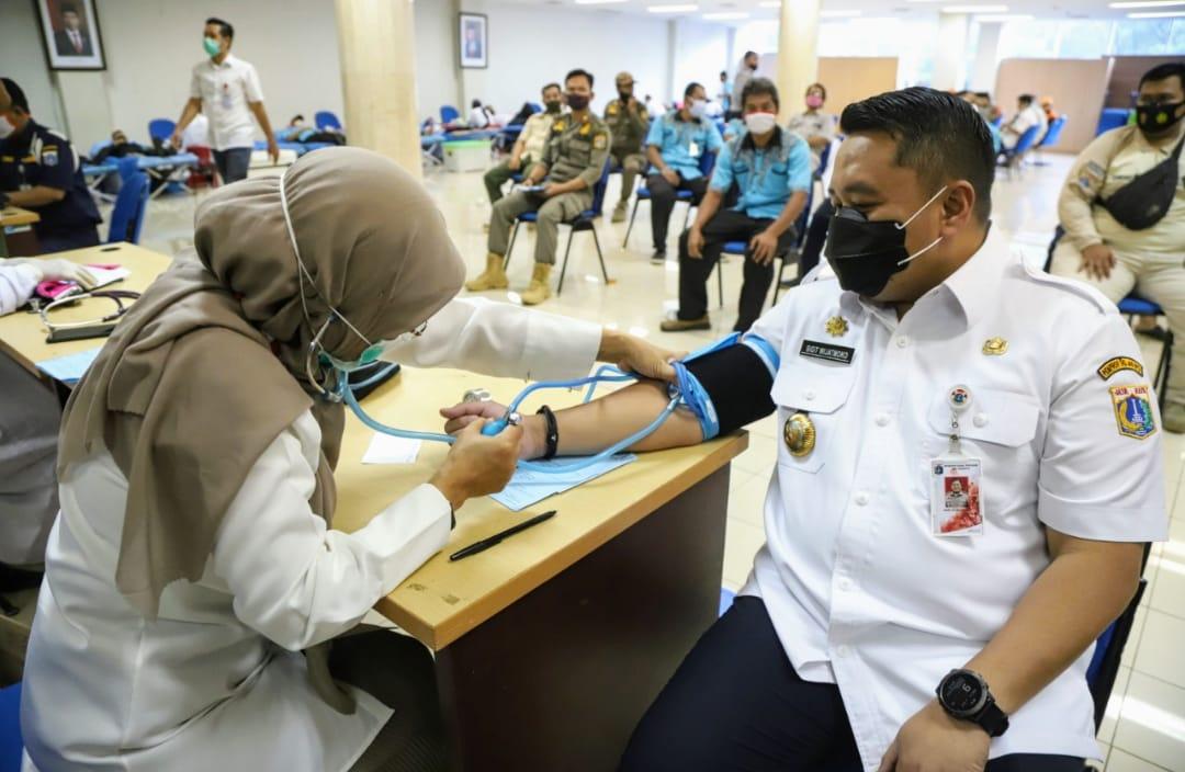 Walikota Jakarta Utara Peringati Hari Pahlawan, Pegawai Mendonorkan Darahnya