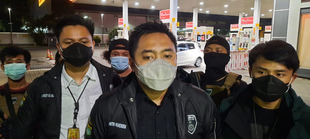 Kawanan Pencuri Beraksi, Saat Korban Sedang Tertidur Pulas Dalam Mobil di Pom Bensin Shell S. Parman