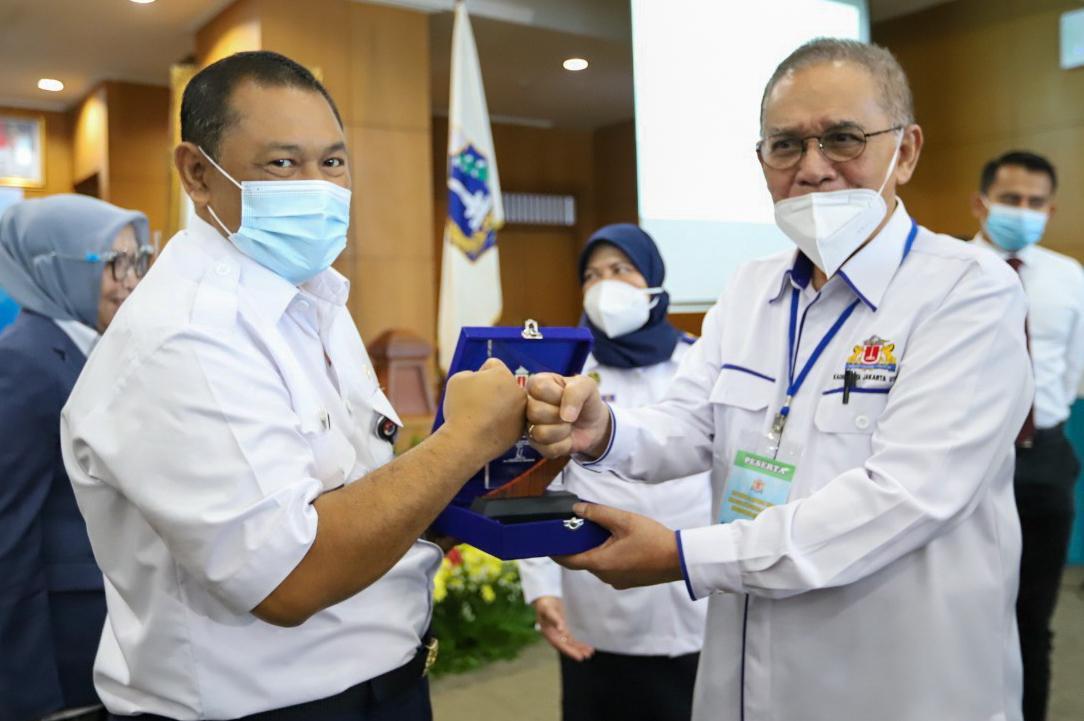 Wakil walikota Jakut Rapim Kota Pertama Kadin Kota